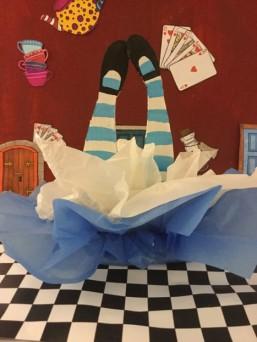 Alice Centrepiece1