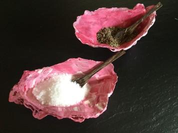 oyster shell salt n pepper2