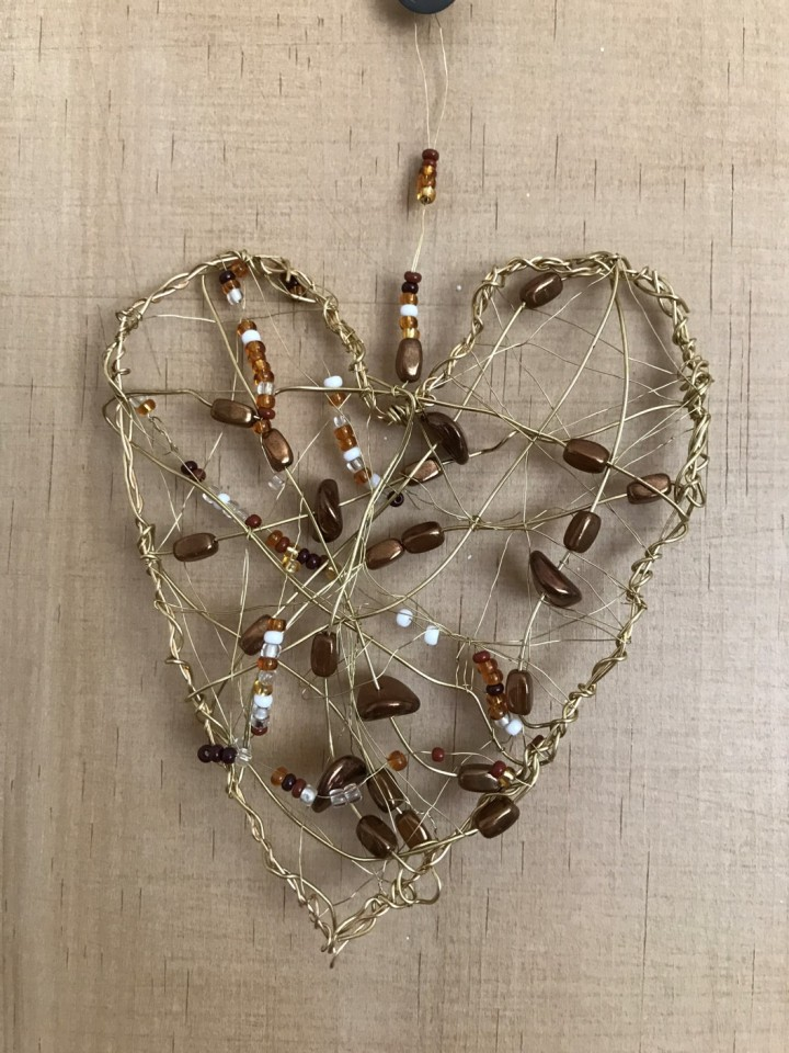 gold wire heart