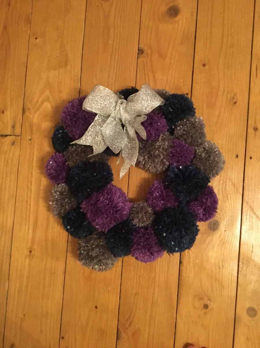 Make a Pom Pom Wreath for Christmas