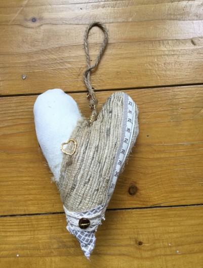 emboidered heart3