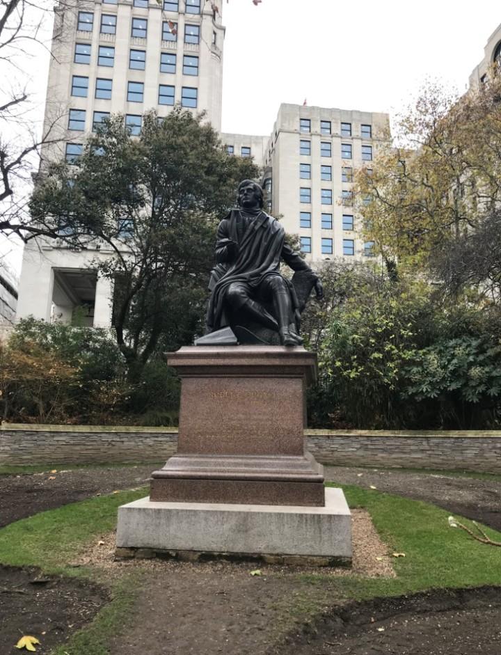 Robert Burns statute 2