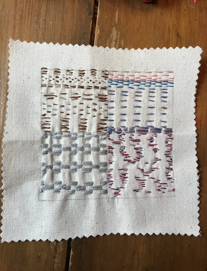 Mixing thread in the needle and using spacing and stitch for distinction