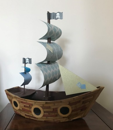 Pirate ship centre piece